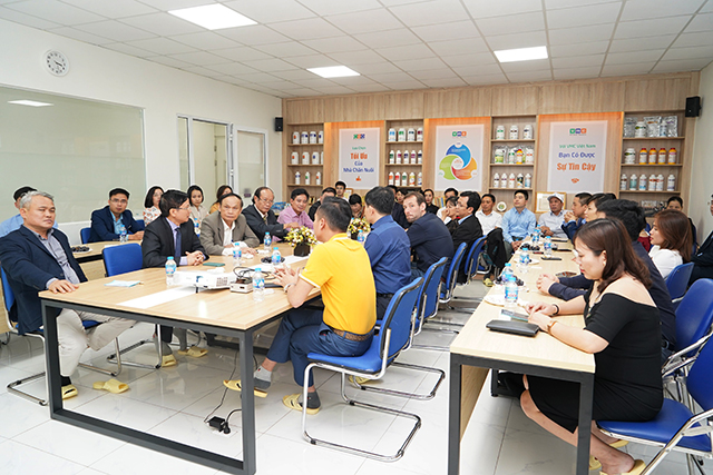 VMC Việt Nam gắn biển hội viên